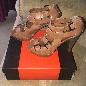 Guess Womens Sandals.
